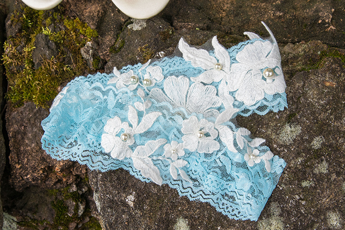 blue and white garter with pearls
